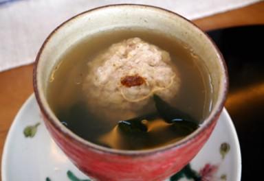 イカと豚肉の団子入り蒸しスープ