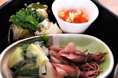菜の花、分葱、ホタル烏賊の白味噌ドレッシング